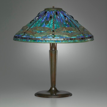 CLARA DRISCOLL, SHADE DESIGNER, AND TIFFANY STUDIOS, MANUFACTURER, TABLE LAMP, CORONA, N.Y., 1895–1902. BRONZE WITH FAVRILE GLASS. YALE UNIVERSITY ART GALLERY, BEQUEST OF EVELYN A. CUMMINS