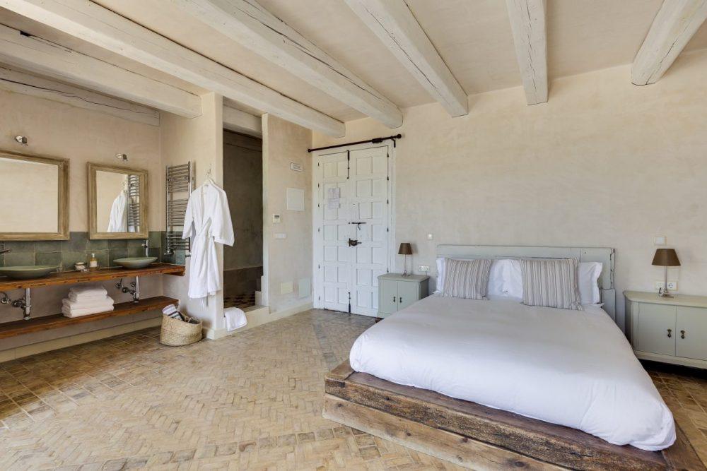 Bedroom-five-Casa-la-Siesta-e1477044895850.jpg