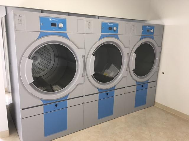 Electrolux T5675 83 lb dryers