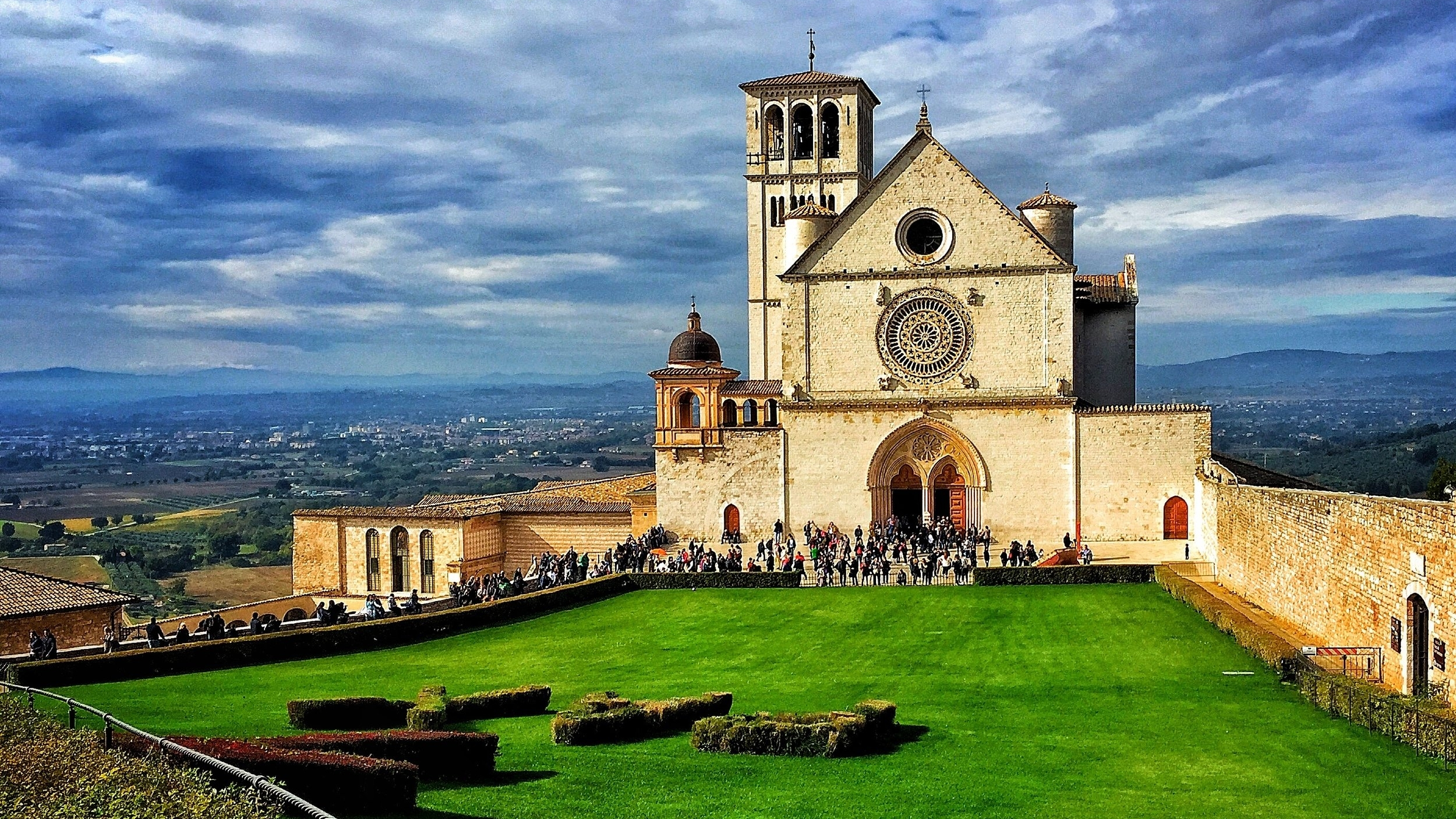 Wednesday of Holy Week - Discover the hometown of Sts. Francis and Clare with a day-trip to Assisi.
