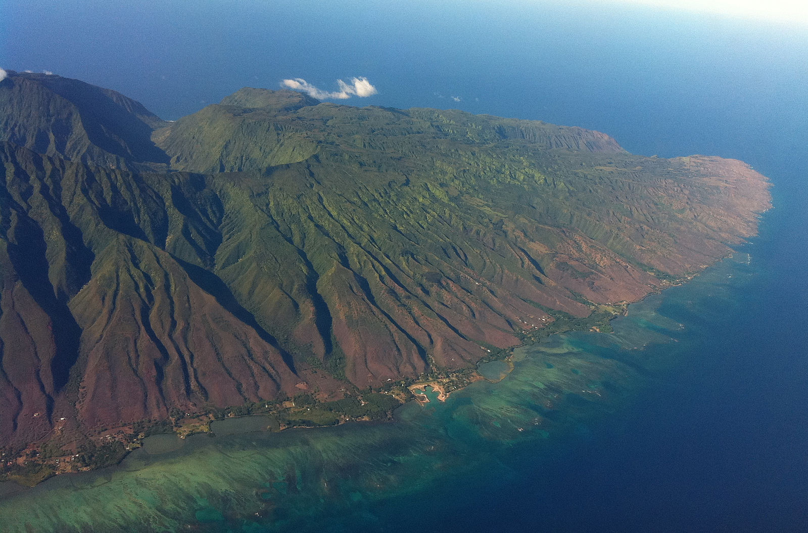 The Eastern Half of Molokai  Photo by Travis. Thurston/CCA-SA 3.0