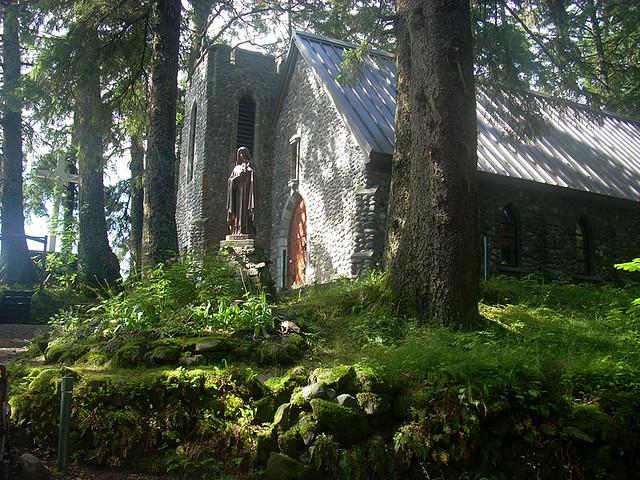 The Chapel at the Shrine of Saint Therese  Photo by Xa'at/CCA-SA 2.0