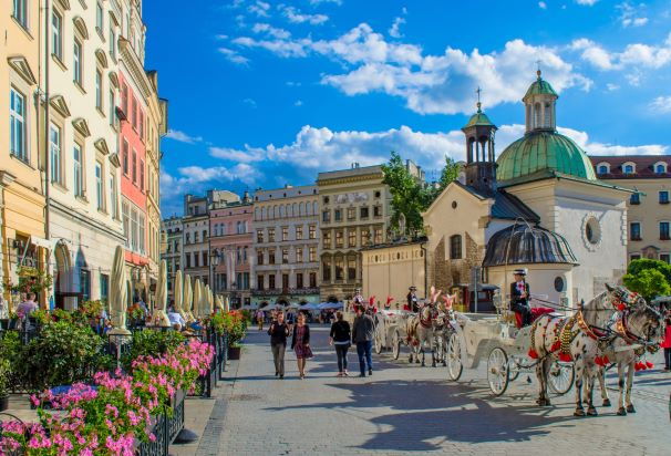 Krakow city square - pixabay - RolandSD.jpg