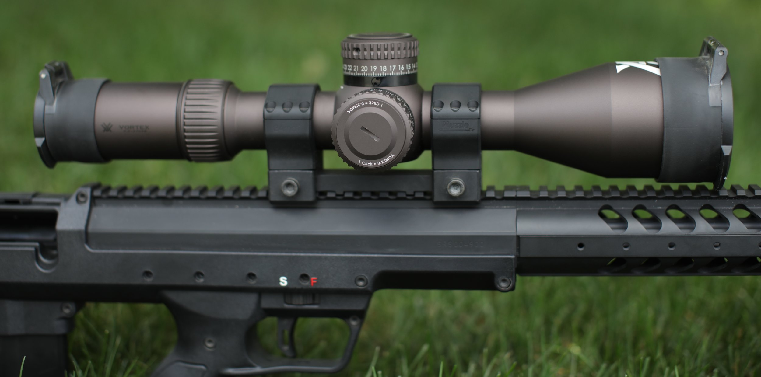 The Desert Tech Scope mount offers a 20 MOA (or 30 or 40) pitch and includes a bubble level in the rear ring. The Vortex Razor HD Gen 2 scope is flawless in clarity and function.