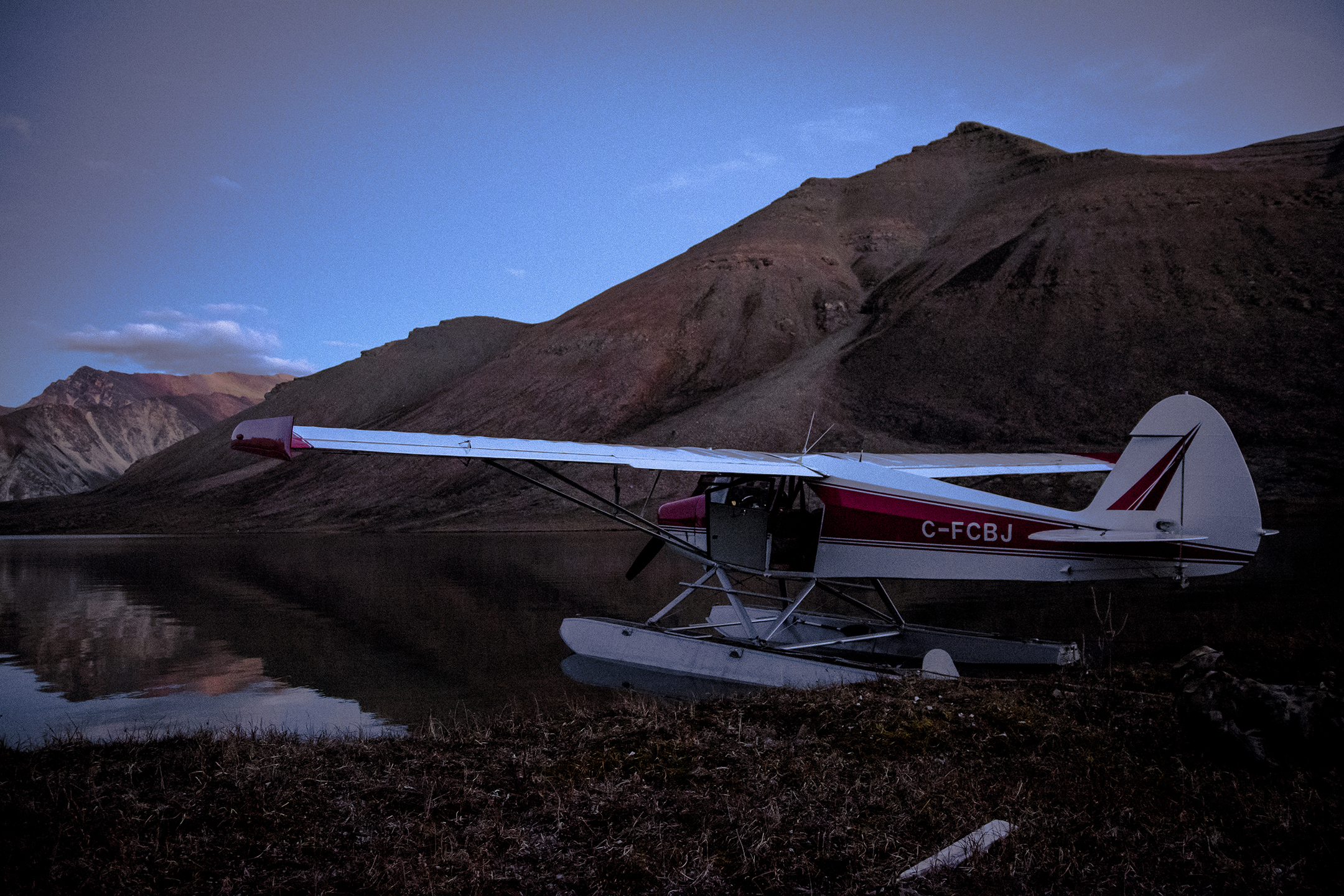 Tethered float‐plane in the heart of Arctic Red.