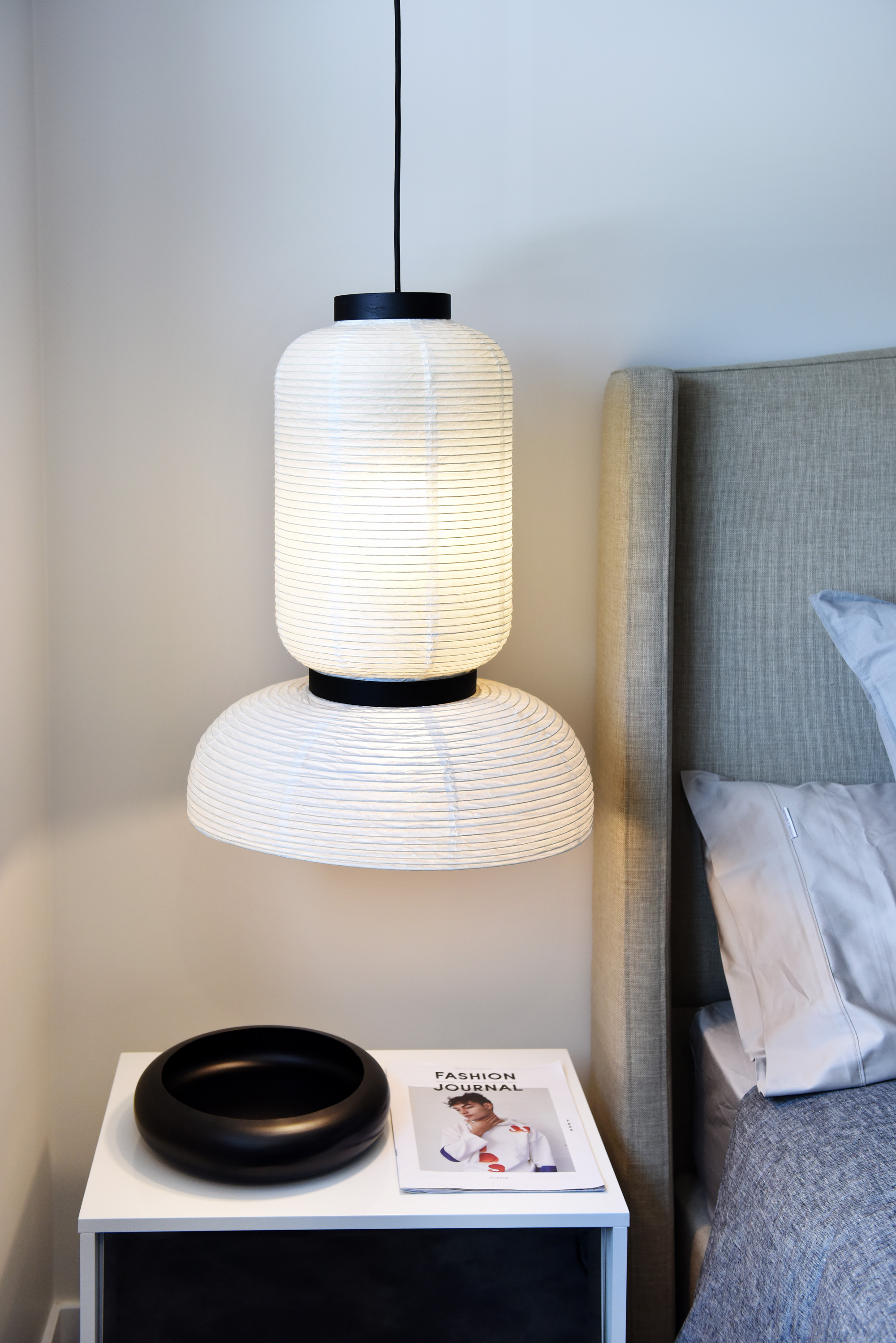 FEATURE BEDSIDE PENDANT | Image by Vanessa Hall