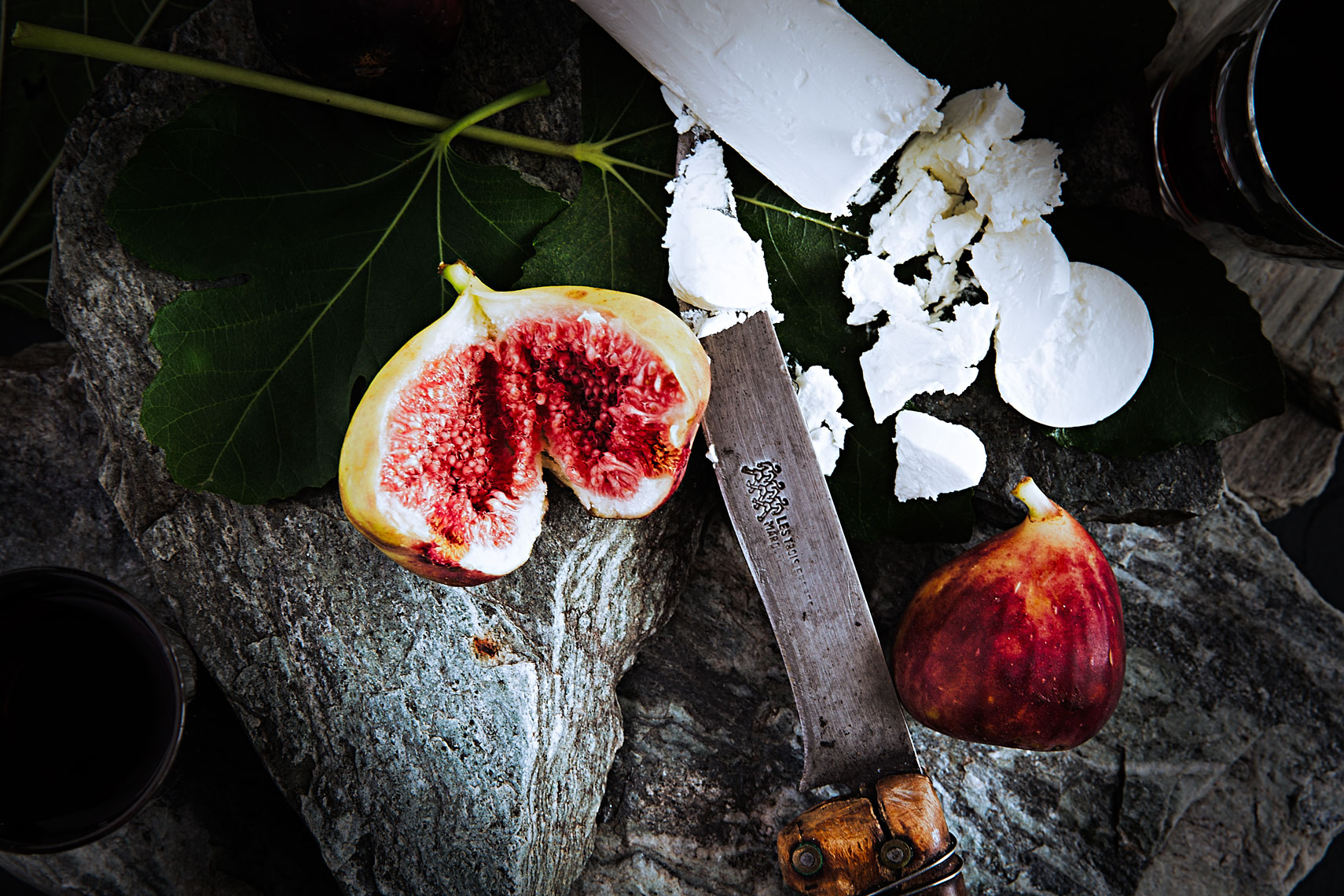 A TOAST 03 #figs #leaves #slates #goats #milk #cheese #glasses #red #wine #old #knife