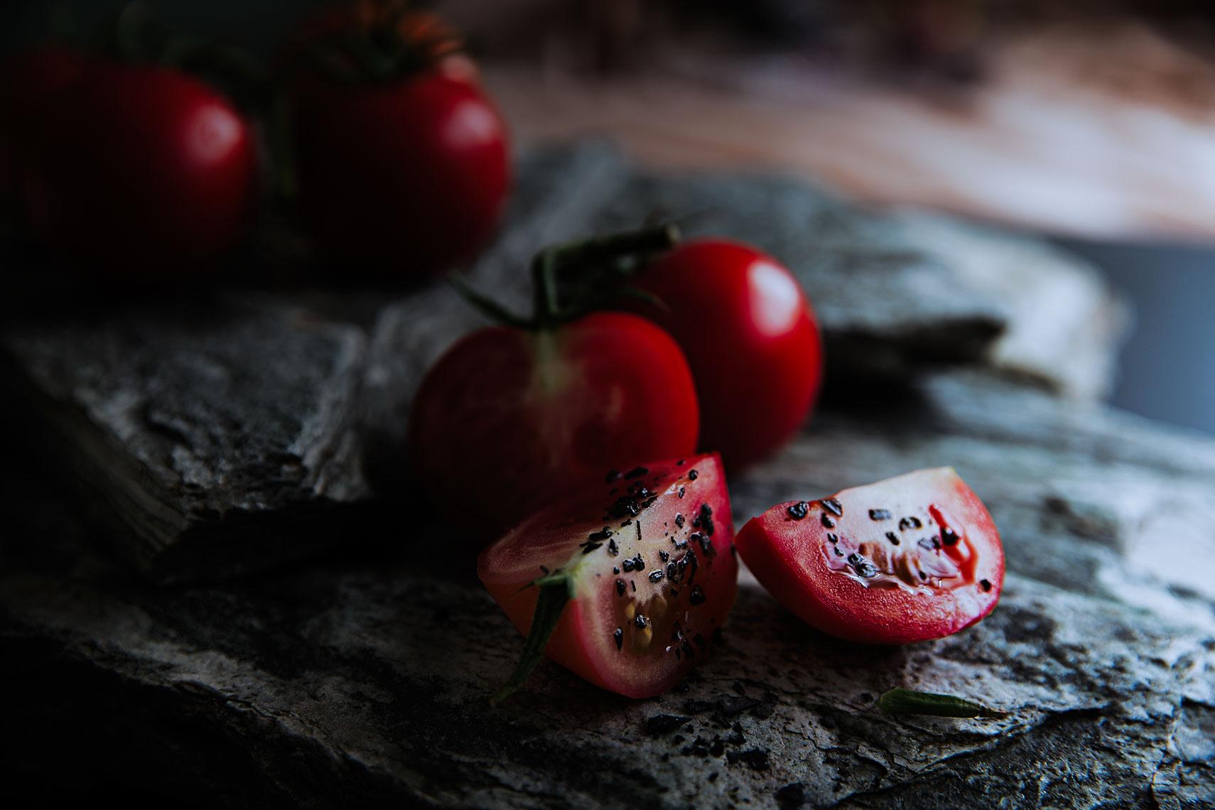 A TOAST 04 #truss #vineripened #tomatoes #slices #stone #slates #black #sea #salt