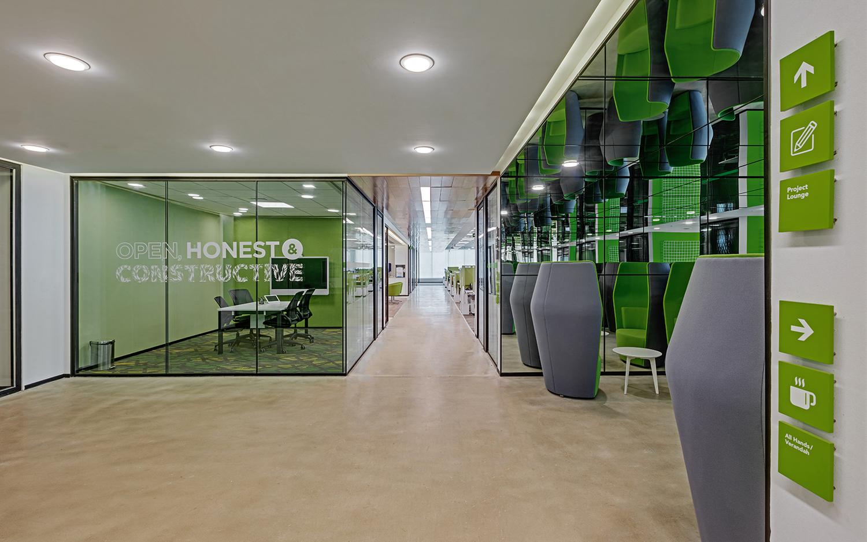 Linkedin-Bangalore-Office-Greenhouse1-Bhushanraj