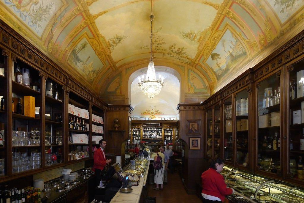 Sandri pasticceria Perugia.jpg
