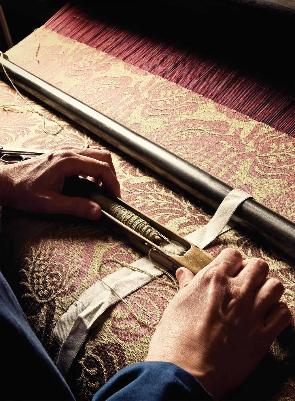 antico-setificio-fiorentino-silk-store-florence-detail.jpg