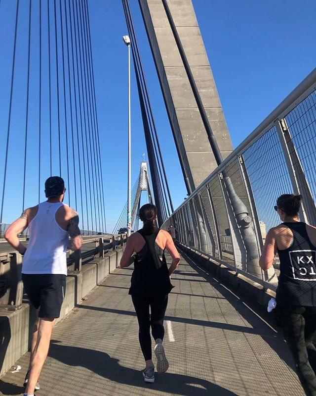 OUT HERE | WITH MATES - Running solo is great, but KMs fly by when you're on the fly with crew. - Also, there's a lot to be said for the accountability of a promise to be up & at 'em by 8am on a Sunday ✌🏻⚡️👟 #werunthiscity - 📷 @voltrondwy w/ @kingscrosstrackclub