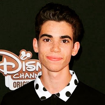 🌟CAMERON BOYCE🌟 Much to young and talented to have left this world - What tragedy to lose a brilliant rising star! My heart and prayers goes out his family and friends, unfortunate that God had to call his angel back so soon - He will be forever in our minds & memories. R.I.P 😪😇❤️💯 @palpublicrelations @disney @disneystudios @thecameronboyce @adamsandler . . . . . #actor #australia #proudtobekiwi #moviestar #acting #mypassion #love #actorslife #followme #instagram #cameronboyce #willbemissed #gonetoosoon #gonebutnotforgotten #star #angel #me #tomthumb #disney #disneystudios #20thcenturyfox #Thegreatestshowman