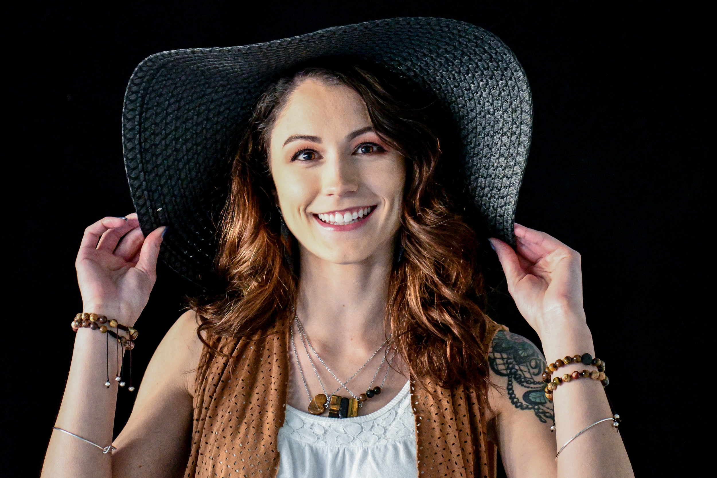 Jessica Brown (HMUA: Tiffani Chante)