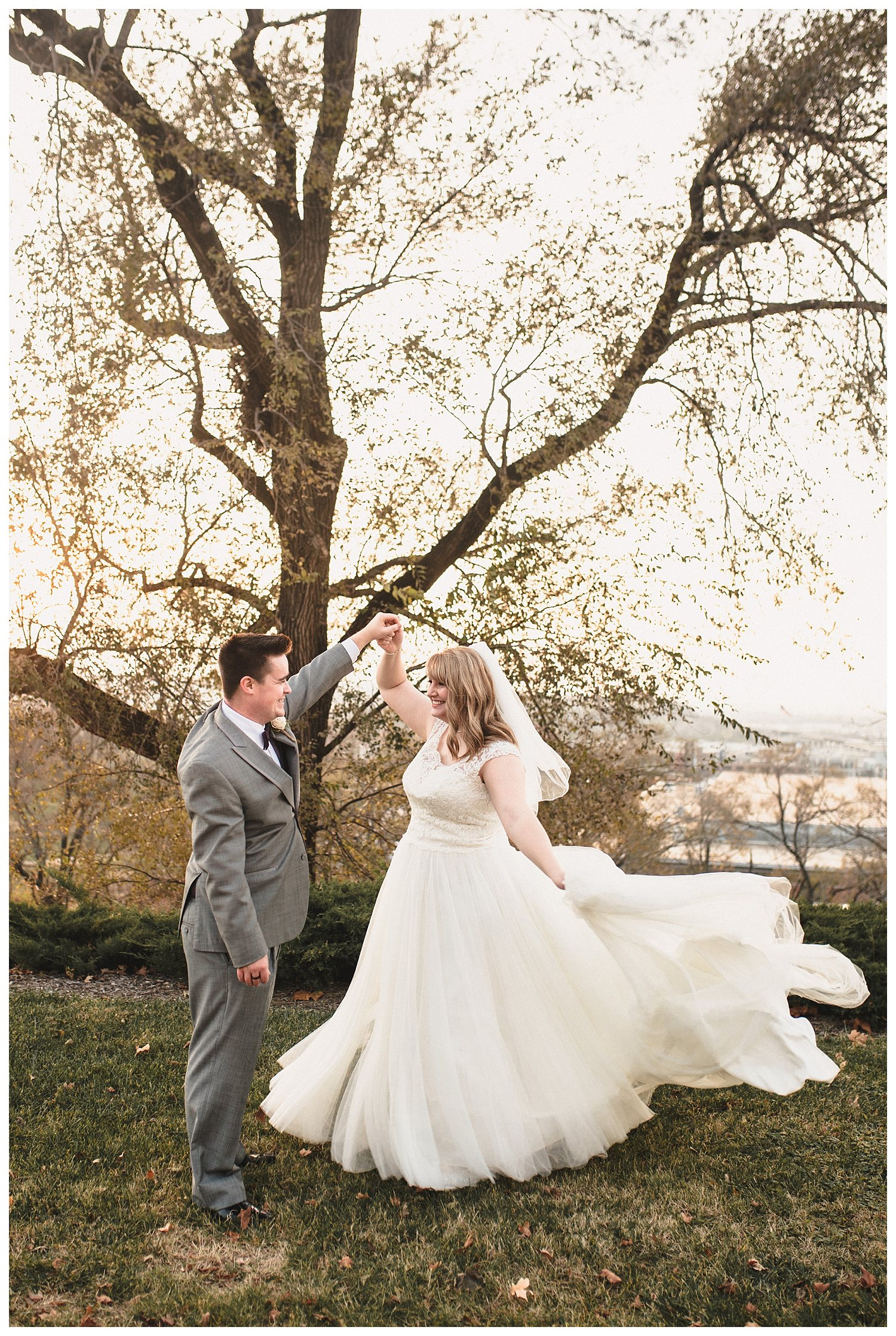 Kelsey_Diane_Photography_Loose_Mansion_Wedding_Photography_Kansas_City_Victor_Lyndsay_0371.jpg