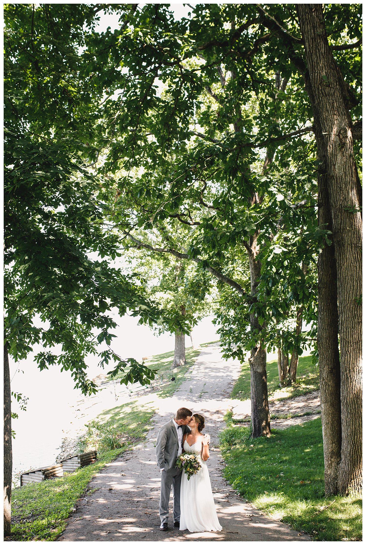 Kelsey_Diane_Photography_Kansas_City_Engagement_Wedding_Photographer_Midwest_Traveling_Missouri_Lee_Andrew_Hall_And_Garden_Blue_Springs_Wedding_Clayton_Kimberly_Summer_Wedding_0825.jpg