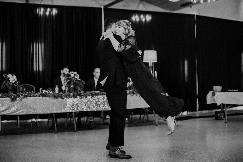 124_Hennings-1574_Missouri_Kelsey_Kansas_Center_Wedding_Marshall_Photography_Diane_Jackson's_Event_City.jpg