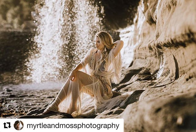 It's official.  I am forever a neutrals lady. 😍 . #Repost @myrtleandmossphotography ・・・ I will probably be sharing these until the end of time 🤣✨ @lauralhartman dress   @reclamation makeup   @ebradleystyle hair @barnethairstudio necklace   @pachulah earrings  @parvanahcollective  Edited with Feel Me Presets @myrtleandmossshop . . . . #heytheremaker #smallandmightybusiness #creativelifehappylife #crafttherapy #modernmaker #bohochic #bohofashion #bohoinspired #bohomodern #bohospirit #modernboho #mybohovibes #boholife #bohochicstyle #beautifullyboho