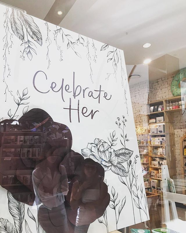 Typography work for the current @mr_mrsjonesgiftware Mothers Day store window displays . Lovely flower illustrations by @daniderome . #mothersday #typography #handwriting #handlettering #typeblog #typebyhand #handtype #typeinspire #thatsdarling
