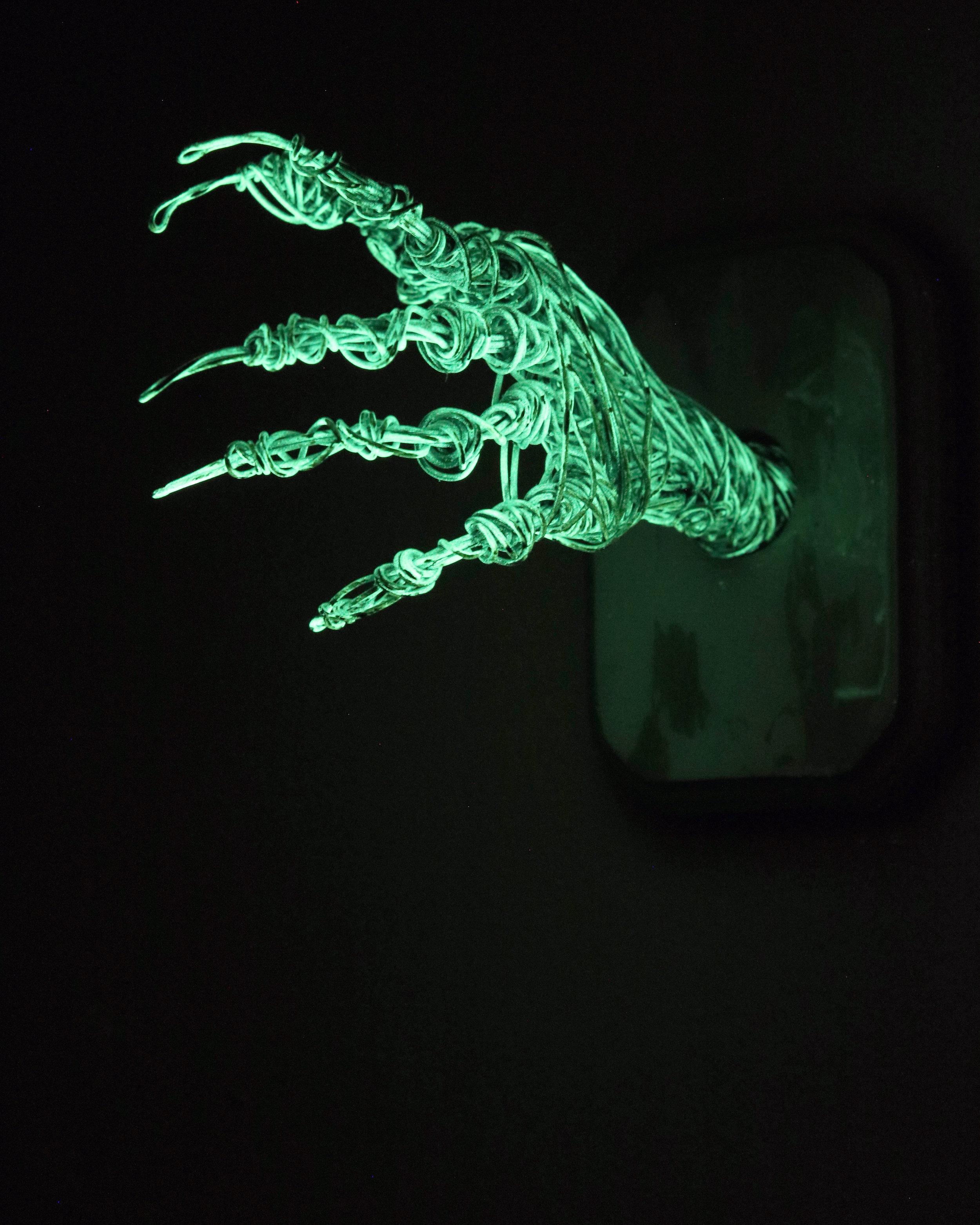 MANIBUS XXXIV (Glow in the Dark)