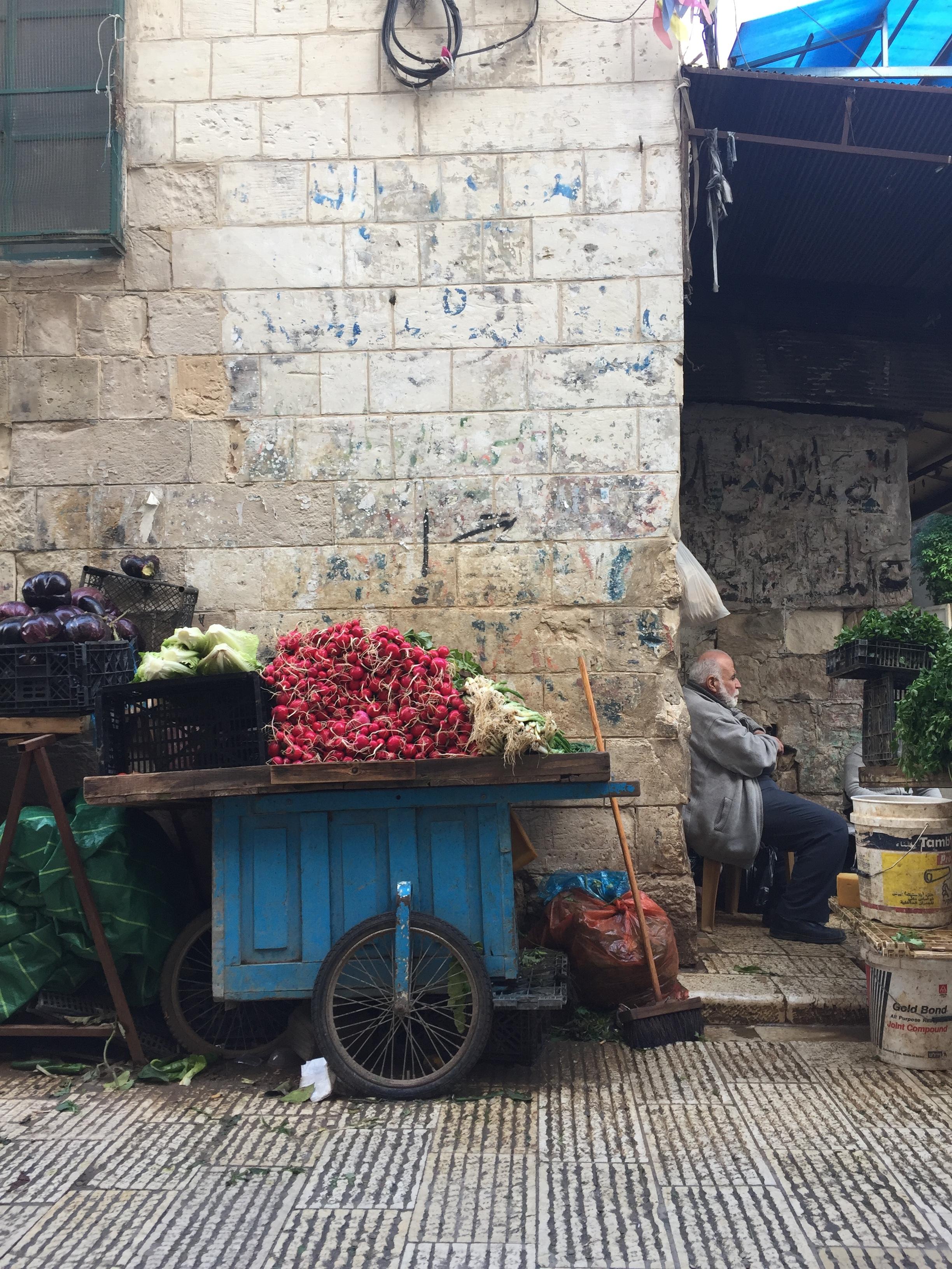 Try Wonder Erasmus Exchange Israel - Nablus in 10 Images 5 - Old city stall