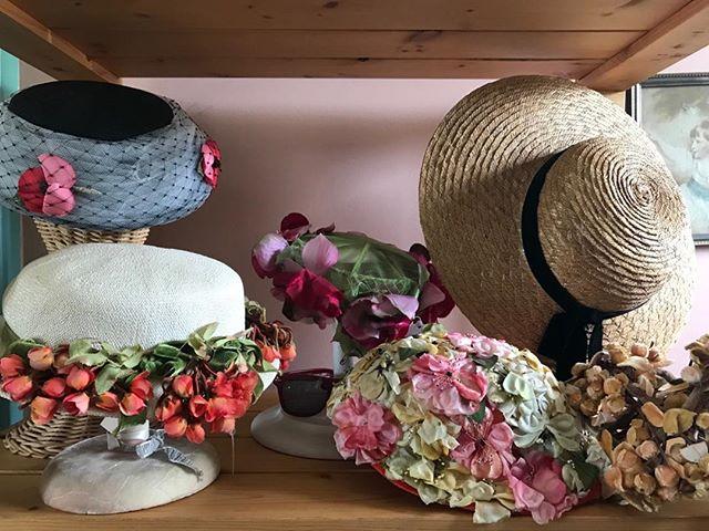 #Easterbonnet #straw hats #vintage style #1950s #sunshades #boho chic #dressup #glimmerglassantiques.com