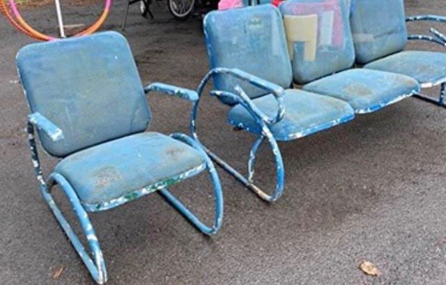 #vintage metal chairs #motel chairs #who made them!?! #summer seating