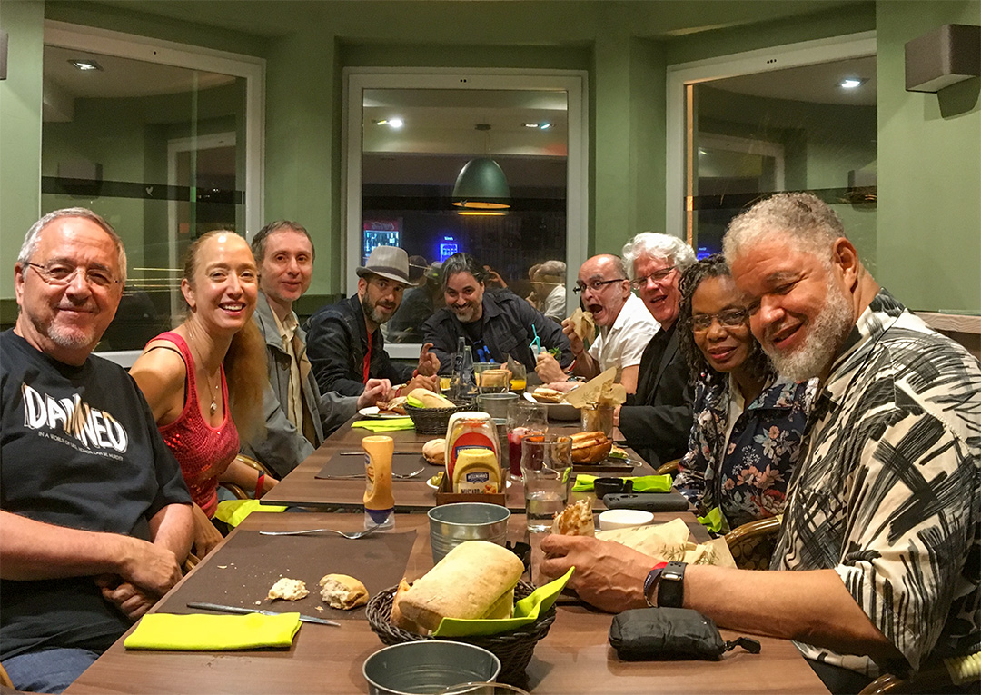 Keith Pollard, Tom Lyle, Mike Deodato, Will Conrad, Renee Witterstaetter, and I (and Rodney Ramos behind the camera) were just some of the many guests at Metrópoli.