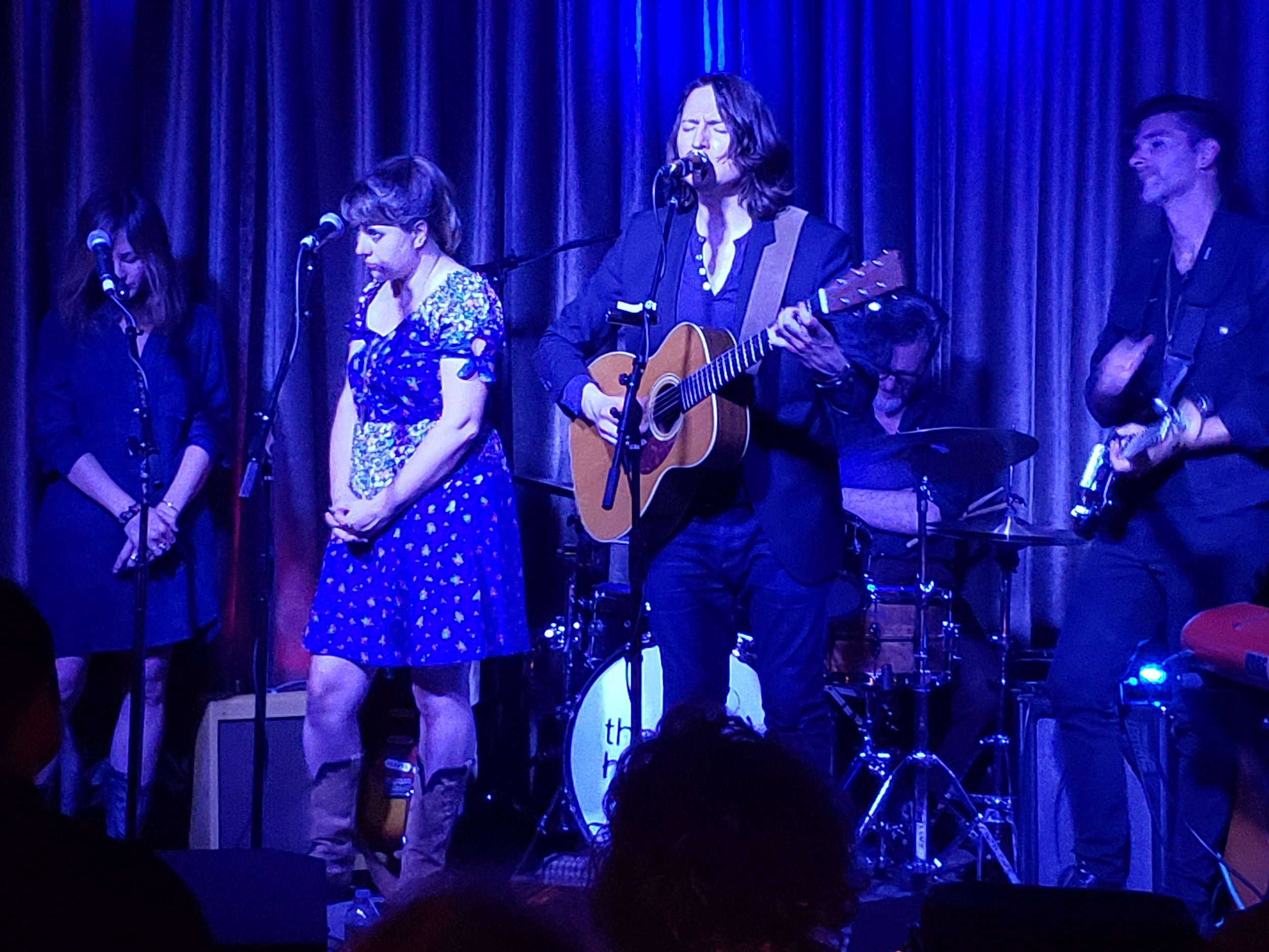 Szlachetka and his band perform at Hotel Cafe. Photo by Jessica Klausing.