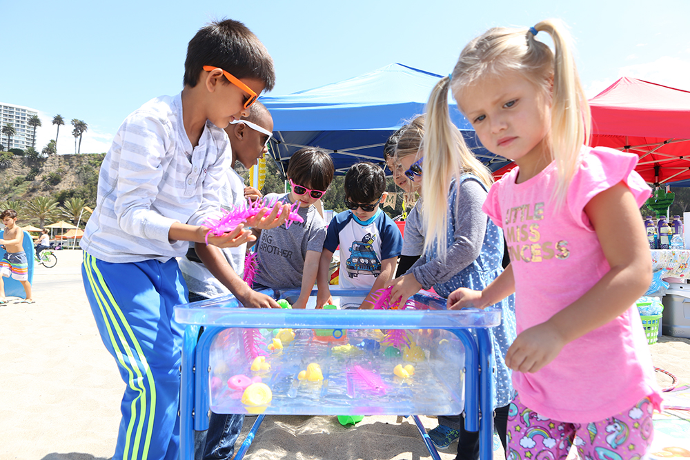 Sensory water play at Kinder Ready. Photo Credit:  Tasia Wells , Getty Images.