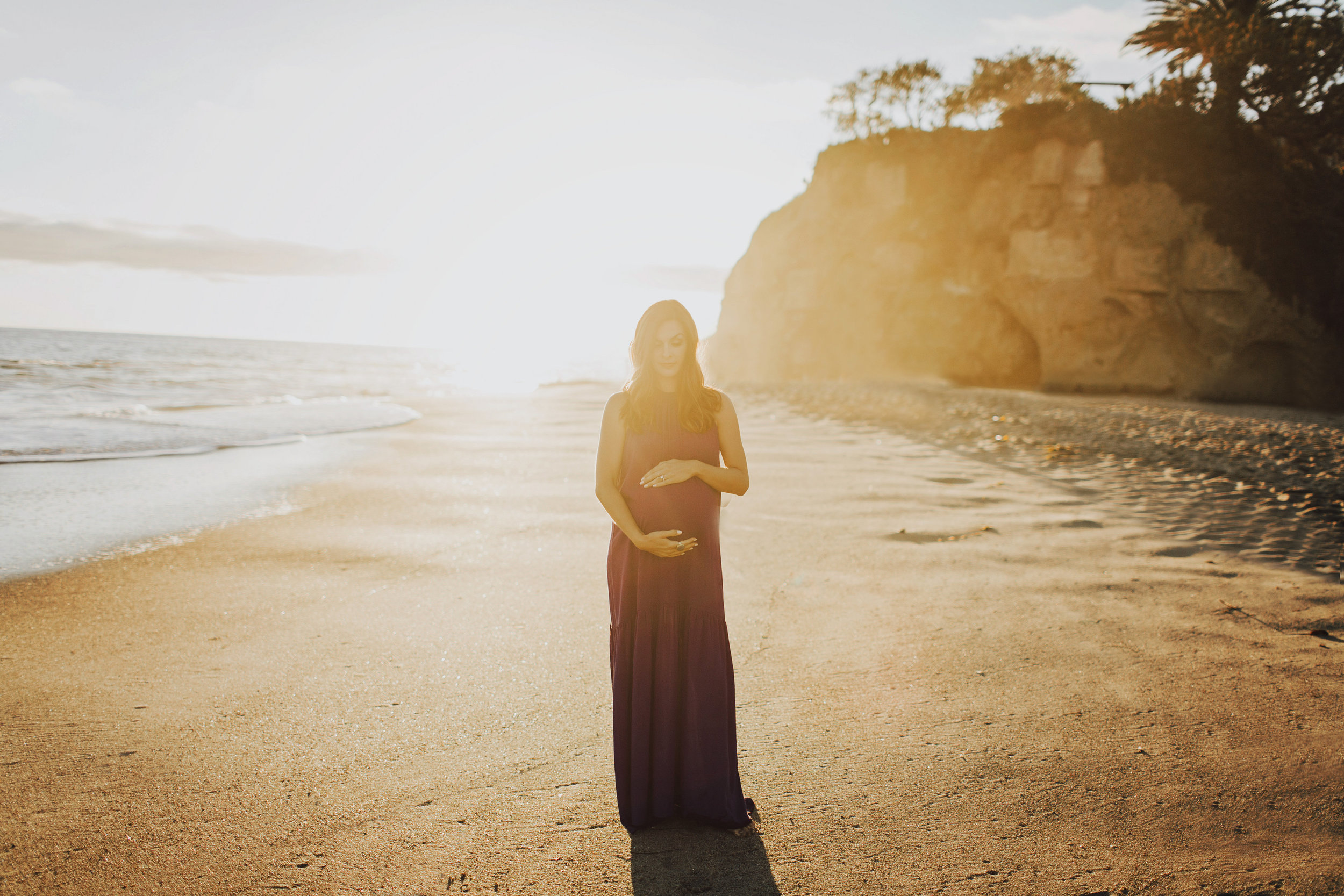 Victoria Beach Maternity Photoshoot