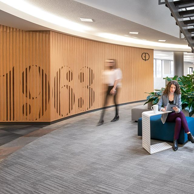 A few photos from the @generalofficeproducts showroom updates — how cool is this wood slat wall?! . . . . #showroomupdates #weekendwarrior #photoshoot #gop #officeremodel #remodel #woodaccents #woodwall #interiorphotography #commercialphotographer #nikontop #nikonarchitecture #24mm #24mmlens #tiltshift #wideangle #panorama
