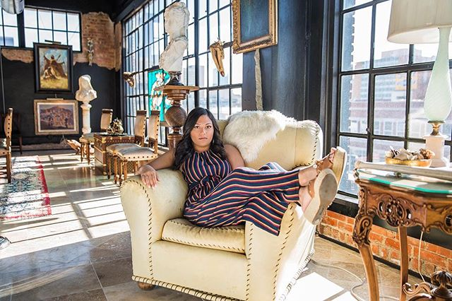 Lookin' so fierce and chic!! Isn't she stunning @shivanikim 🤩🤩 This is hands down one of the coolest places we've shot! 😻 . . . . . . . . #peoplescreatives #f21xme #featuremeofh #ftwotw #ftwotww #ofhumans #featuremyworld #featurepalatte #visualauthority #quietthechaos #featuremebest #exploretocreate #shootandshare #thevisualvogue #senioryearmagazine #thelookseniors #theseniorwave #seniorstylecollection #seniormuse