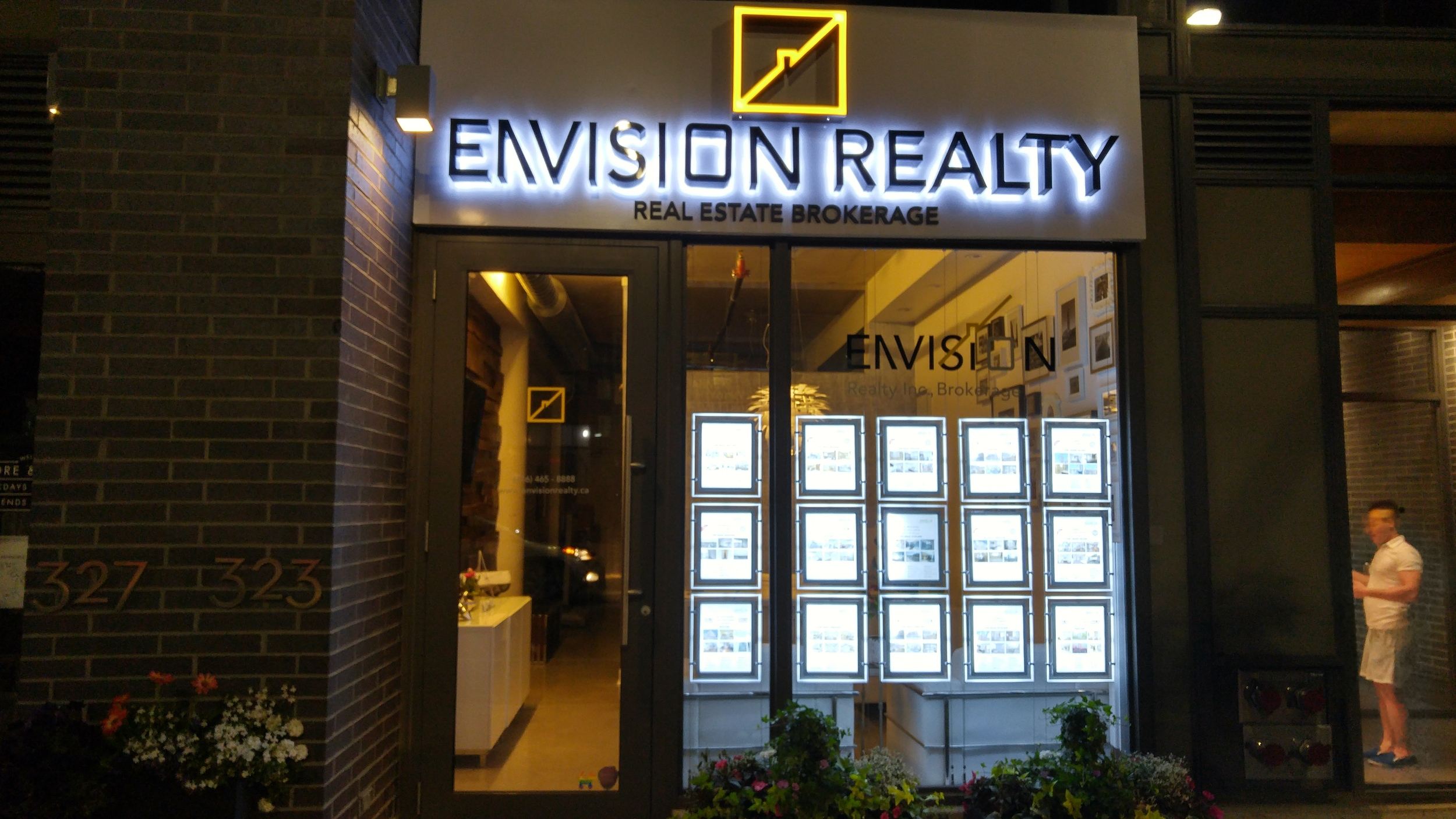 Envision Realty Sign | Graphic Design JNKM.jpg