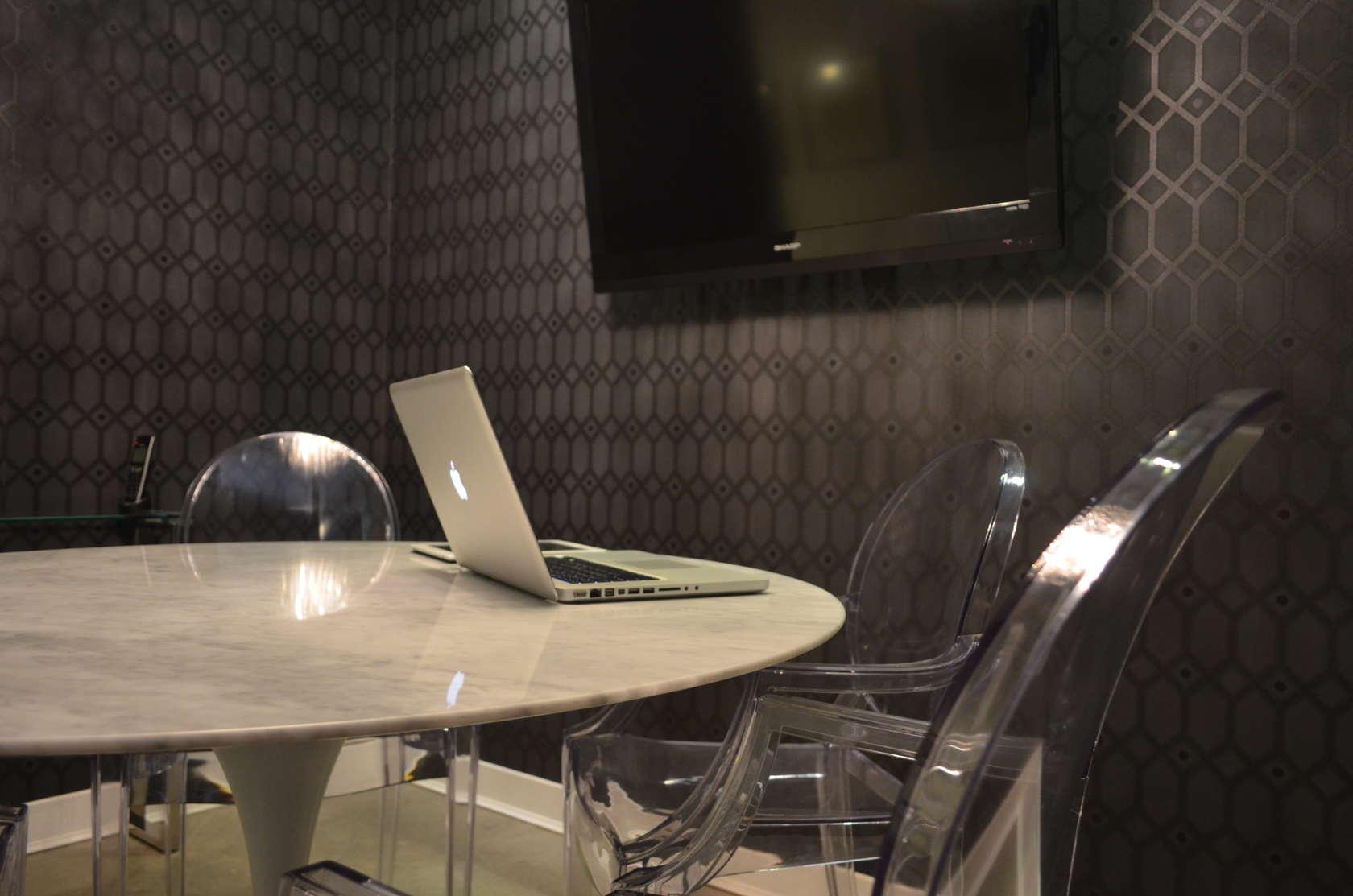 Envision Realty Desk 01c.jpg
