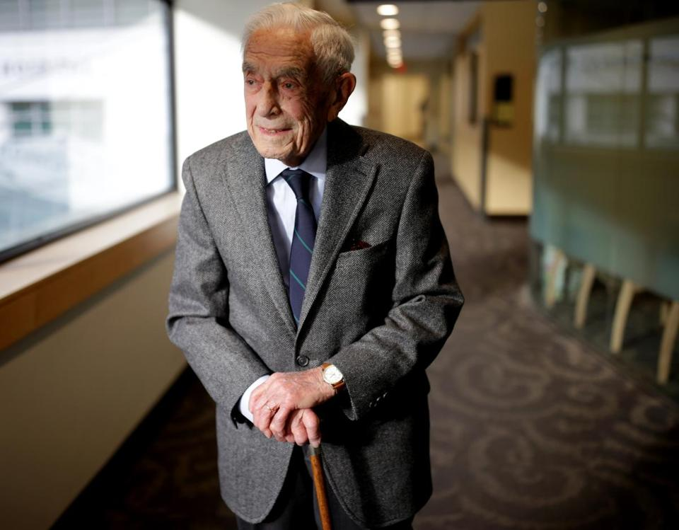 Dr. Guralnick poses at MGH for The Boston Globe (Jonathan Wiggs/Boston Globe Staff)