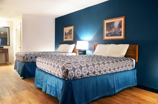 riata bedroom.jpg