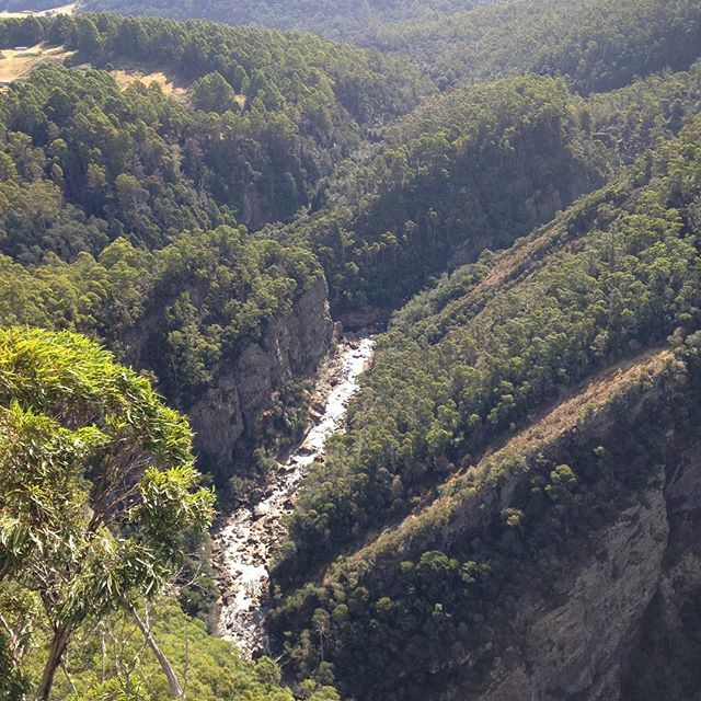 Spectacular Leven Canyon ..