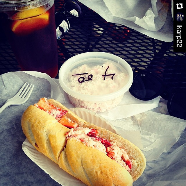 #Repost @lkarp22 showing off our cold lobster roll #lobsta #watchhill #summer #baystreetdeli ・・・ I have waited all year for this season to start again...lobstah rolls & 🐙🐚🐠 salad from my favorite place! 🙉🙌😃 #100happydays #day50