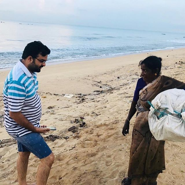 Worlds colliding when our operations manger met a waste-picker at the beach collecting plastic for @plasticsforchange. That's what is special about our job, it connects every person involved with plastic, we are all fighting this together.  #oceanplastic #beachcleanup #coastalcleanup