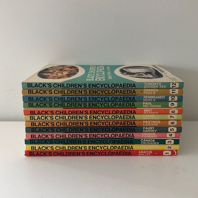Children's Encyclopedio Set . Gorgeous collection of 12 books + index and come in the original cardboard box. . Price: $15 . Pick up from 16 Nile Street Port Adelaide most days, or evenings from Largs North. . Be quick - Type SOLD if you want this and message me to arrange a time to collect. Easy! 🙌🏻 . #adelaideminimalist . **follow link in profile to read how the sale works. 👍🏻