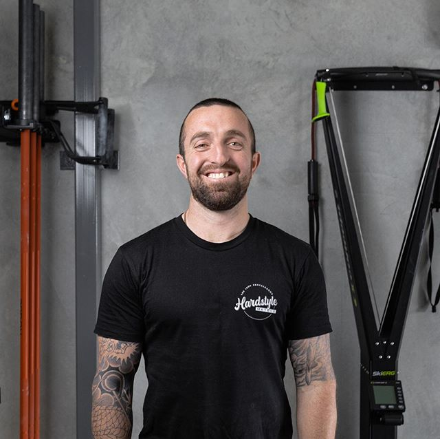First session at the new @hardstyle_method  Gym  shooting @nutritionwithmike Lifting and stretching. Loving the new space guys 👌🏻 and these shots came out amazing 😊 isn't it great when things just work out how you expected?