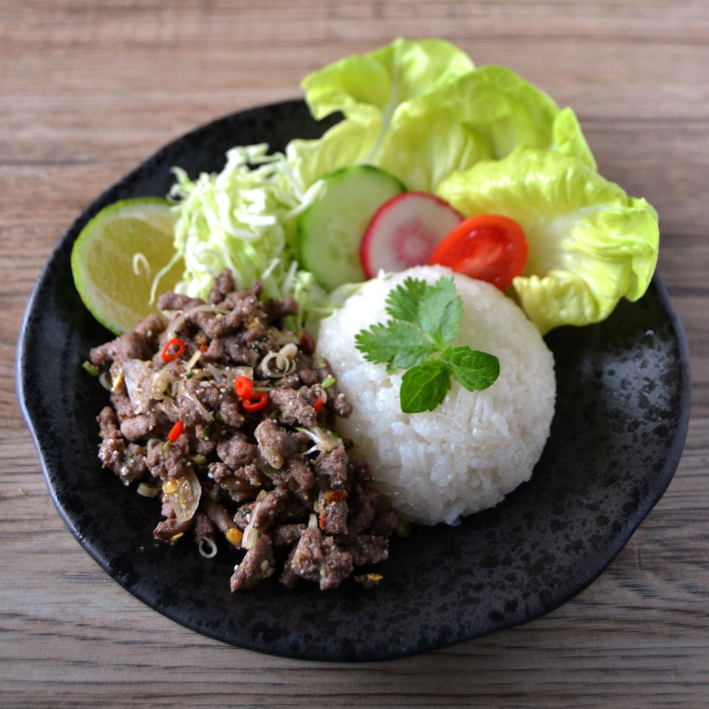 Larb thailandese