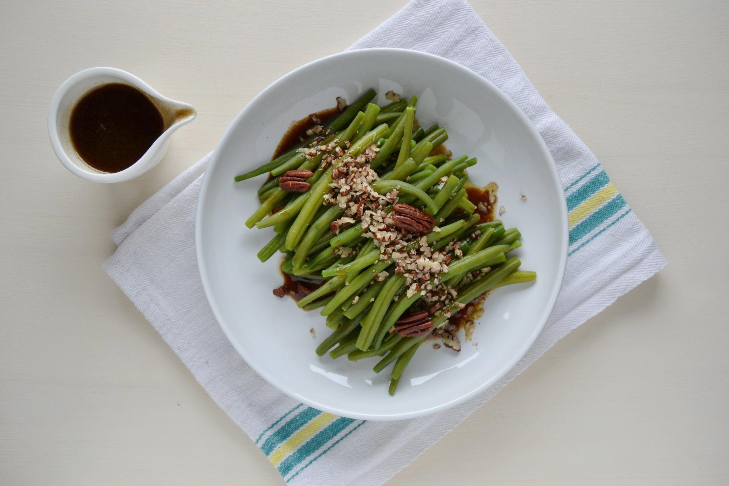 Fagiolini con vinaigrette alla senape e noci pecan