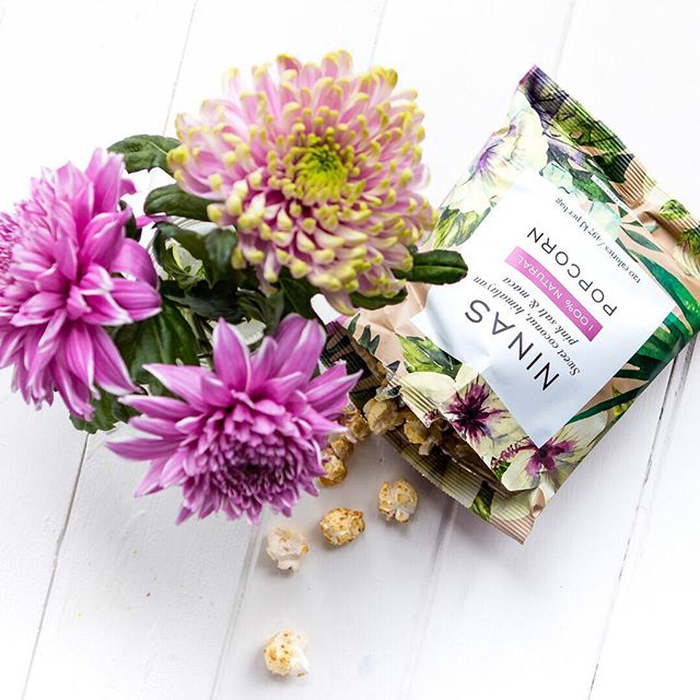 Did you know that we use Maca in our sweet and salty popcorn? It's considered one of the worlds most powerful superfoods, offering an abundance of antioxidants, enhances energy, strengthens memory and even offers adaptogenic support... we do love a good superfood! #maca #superfoods #superpowers #popcorn #ninaspopcorn #healthylifestyle