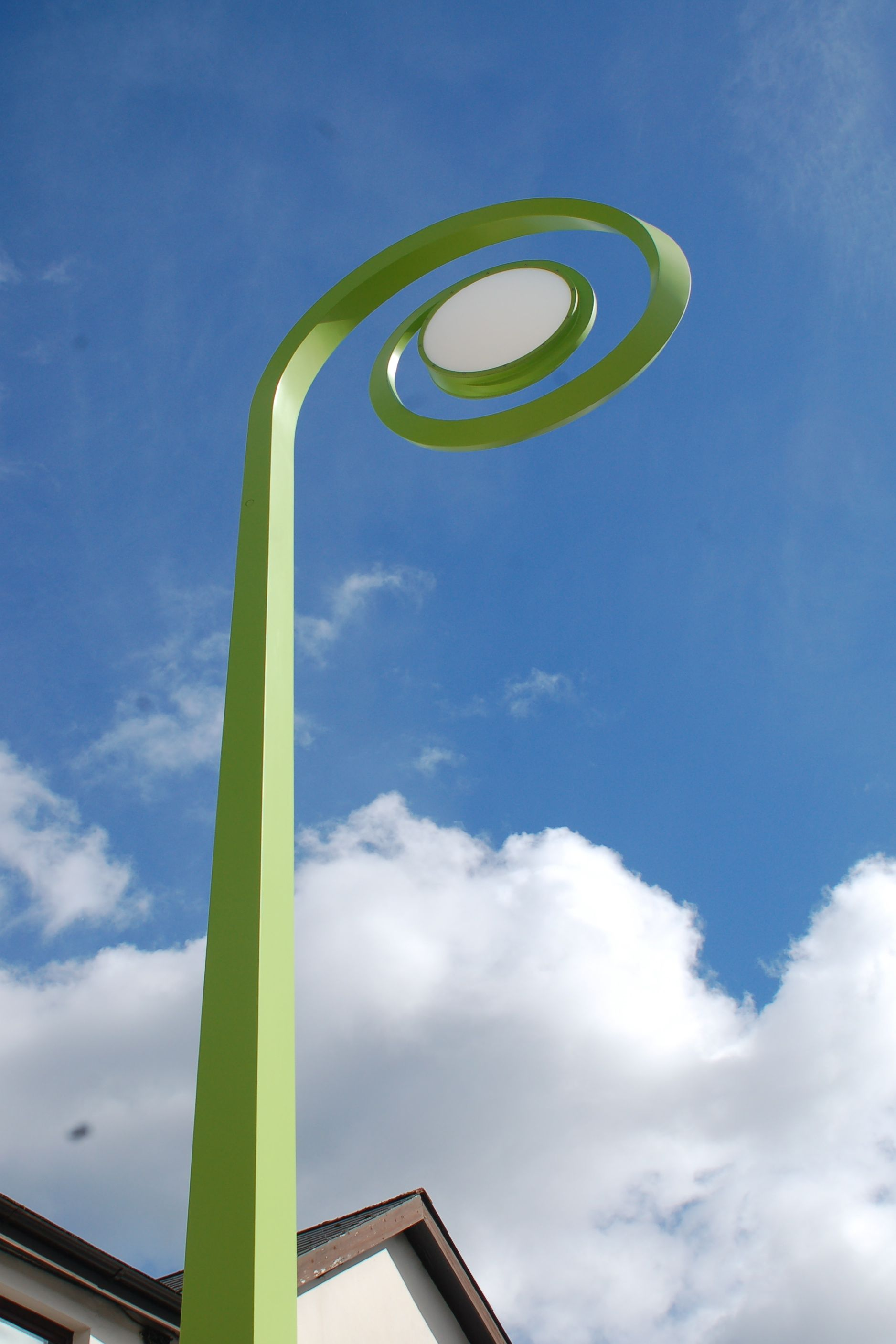 HALLELUJAH LAMP   7m tall focal gathering point for the community