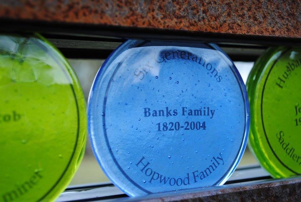 desktop_high_res_Banks_family_check.jpg