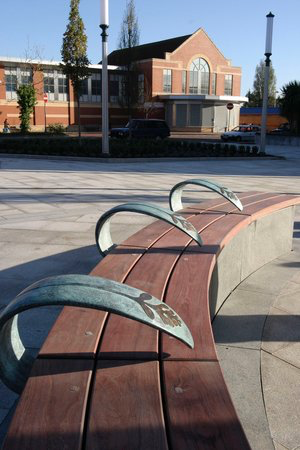 ELLESMERE PORT -  MEMORIAL BENCH  Bespoke bronze and timber bench