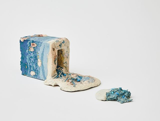 Delighted to be selected to exhibit at the British Ceramics Biennial's FRESH 2019. @british_ceramics_biennial  I would just like say thank you to the people who have been showing their support to my work and my artistic practice, especially The Grocer's Hall Company who supported my study at the Royal College of Art.  @royalcollegeofart  @rcaceramicsandglass —————————————————- 7th September - 13th October 2019 China Hall, Former Spode Works, Kingsway, Stoke-on-Trent, ST4 1JB —————————————————- 📸 by @alick.co.uk : : : : : #rca #royalcollegeofart #rcaceramicsandglass #ceramics #porcelain #colourclay #colouredclay #colourporcelain #colouredporcelain #contemporaryceramics #cremerging #contemporaryceramicsculpture #contemporaryart #ceramicsculpture #rethinkceramics #hotceramics #holaiceramics #cfile