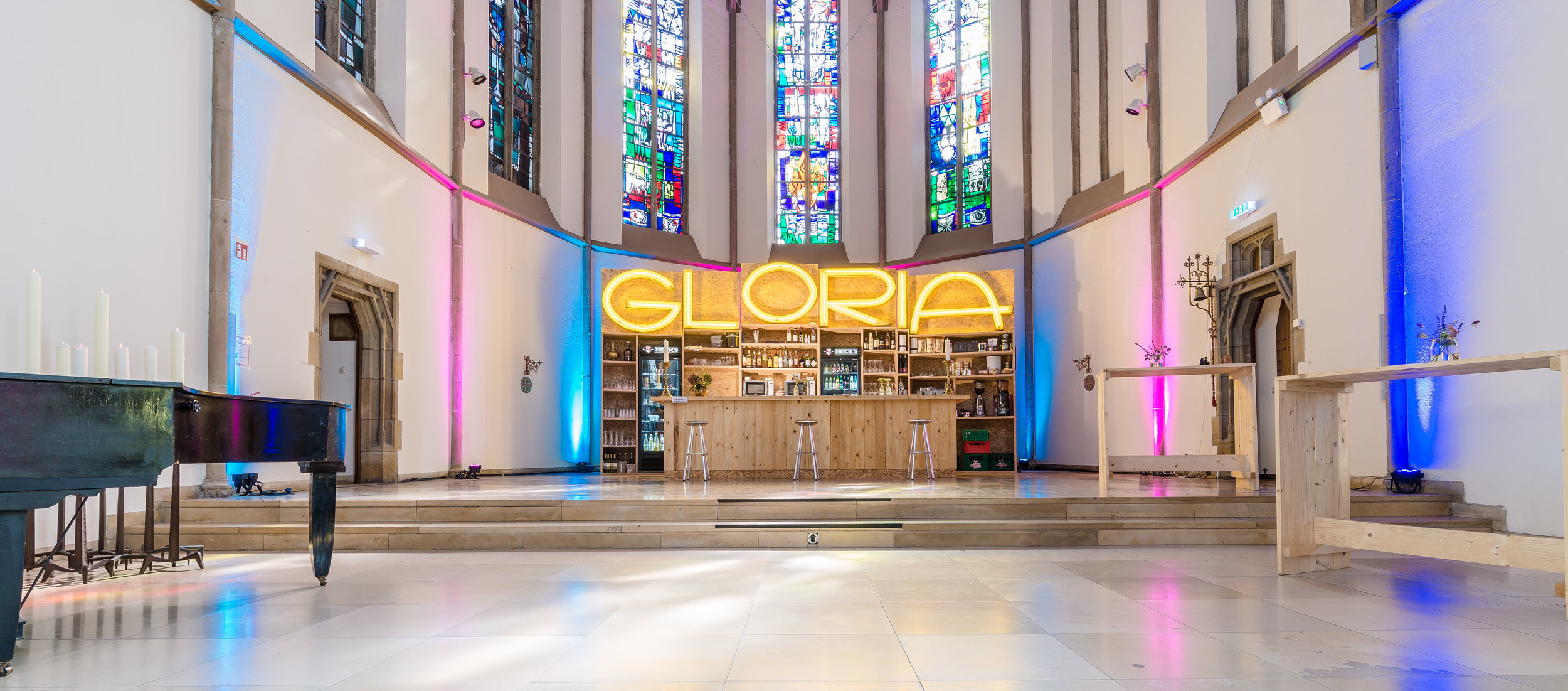 Gloria_Bar4_Foto_Conor_Crowe.jpg